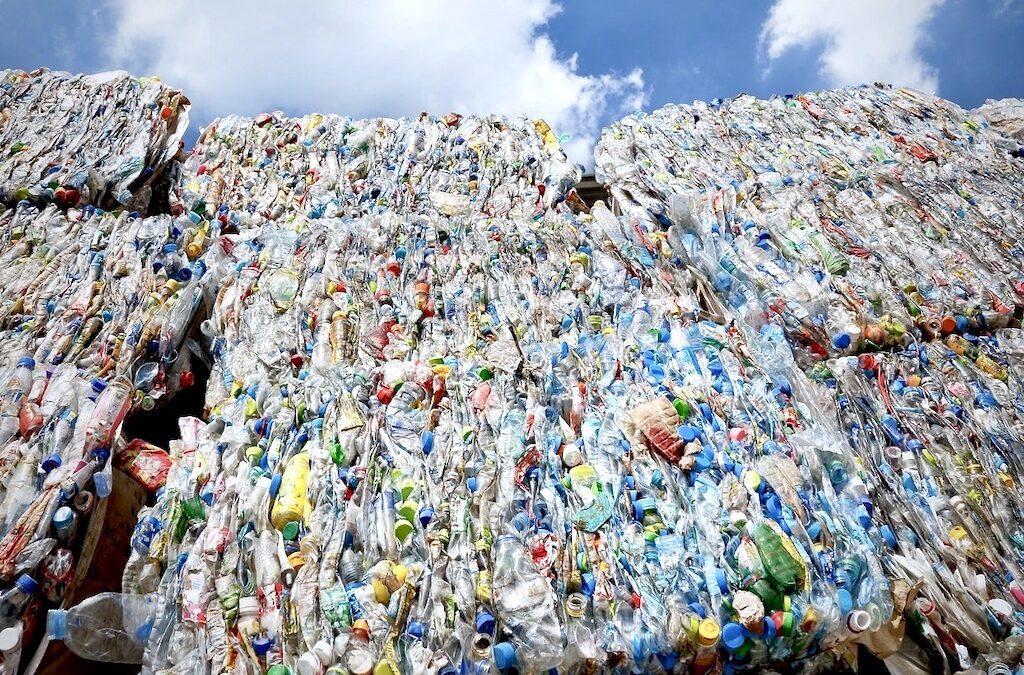 La cultura del desechable y el plástico